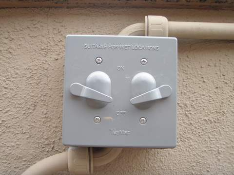 How to wire an outdoor switch