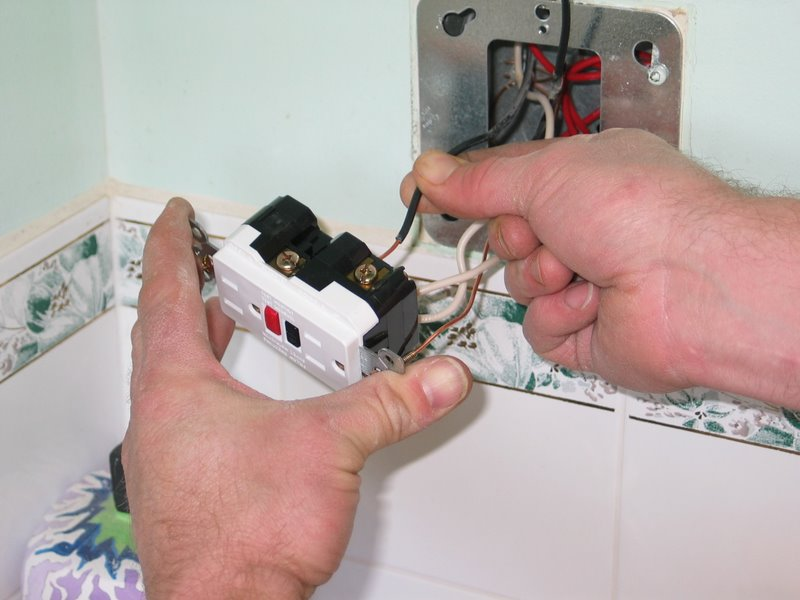 how to replace a razor only receptacle a gfci connect black wire to proper terminal